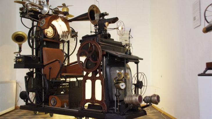 Die Zeitmaschine | Charly-Ann Cobdak | LowTech Instruments